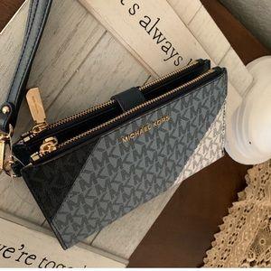 🦋 new Mk double zipper wallet / wristlet